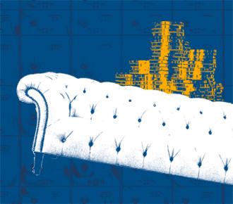 Imagem de um sofá, atrás dele uma pilha de moedas de ouro e ao fundo uma imagem de cédulas de dinheiro. A imagem representa o valor que deve ser agregado na venda de outsourcing de impressão.