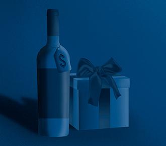 Uma caixa de presente com uma garrafa de vinho com uma tag de preço. Ilustram a valorização do serviço ou produto.