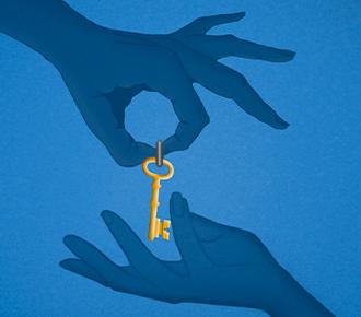 Uma mão entrega para outra mão uma chave, ilustra as relações de confiança no ambiente organizacional.